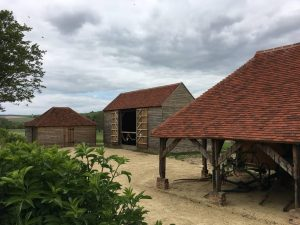 kent peg roof tiles on barn in west sussex